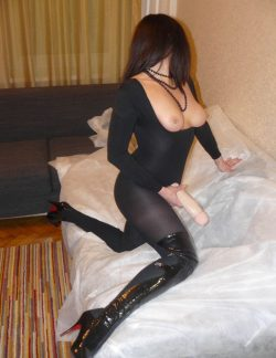 Девушка, ищу мужчину для виртуального секса (скайп) в Волгограде