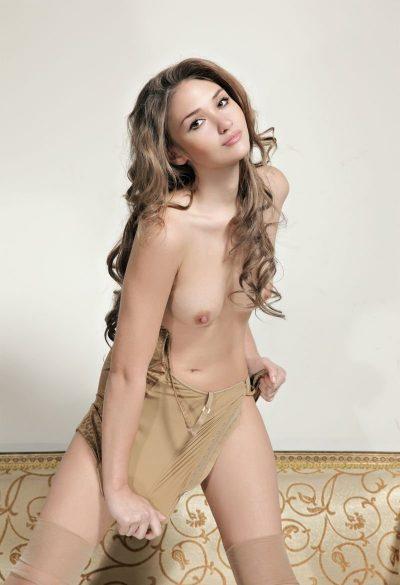 Девушка ищет мужчину в Волгограде. Люблю качественный секс!