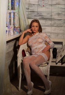 Сексуальная девушка из Москвы ищет мужчину для незабываемых встреч