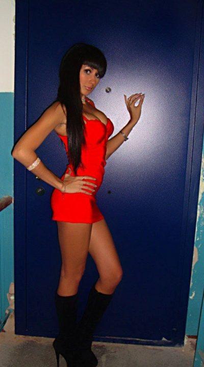 Молодая и сексуальная девушка желает интим знакомства с мужчиной в Волгограде.